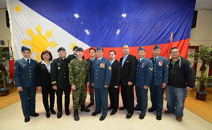 Filipino community says thanks to the Canadian Forces for helping Typhoon Haiyan victims in the Philippines
